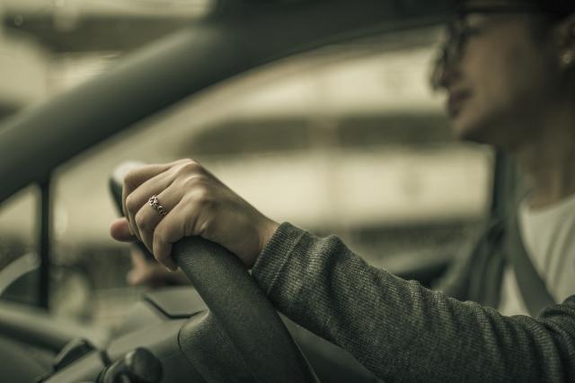 車内空間での心境の変化で兆候を掴む!|自分で浮気調査する方法